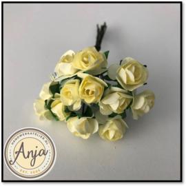 Bosje van 12 zacht gele papieren roosjes