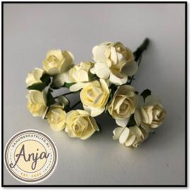 Bosje van 12 gele papieren roosjes