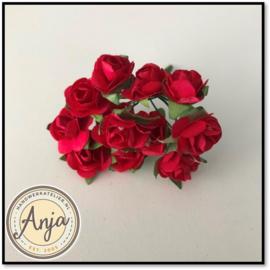 Bosje van 12 rode papieren roosjes