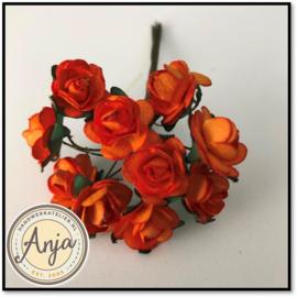 Bosje van 12 oranje papieren roosjes
