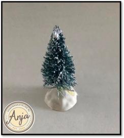 05 Kerstboom met sneeuw