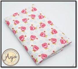 BL4819-02 Wit met rood/roze bloemetje en blauw printje
