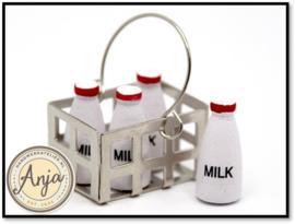 KA21 Flessen melk in metalen krat