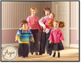Poppenhuis poppen gekleed 1:12
