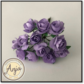 Bosje van 12 lila papieren roosjes