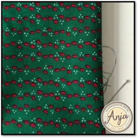 Kerstlapje 08 lapje groen met rode hulstblaadjes