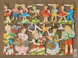 Kindjes met bloemen en pakjes Oudere poezieplaatjes 7030