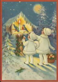 Meisjes voeren vogeltje in sneeuw Glitter prentbriefkaart [SV 6Wg079]