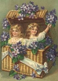 Kindjes met kist viooltjes Reliefkaart EF 3015
