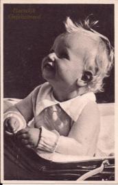 Baby in de kinderwagen [14234]