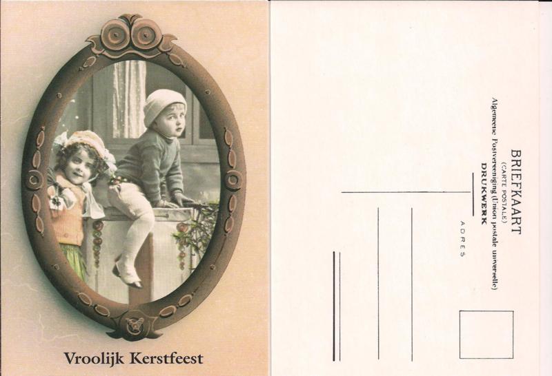 Vrolijk Kerstfeest - Jongen en meisje bij het raam - oude kaart