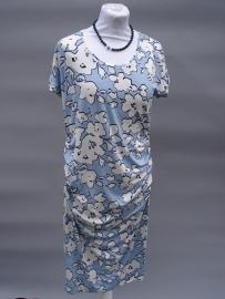 jurk met aangeknipte mouwen.