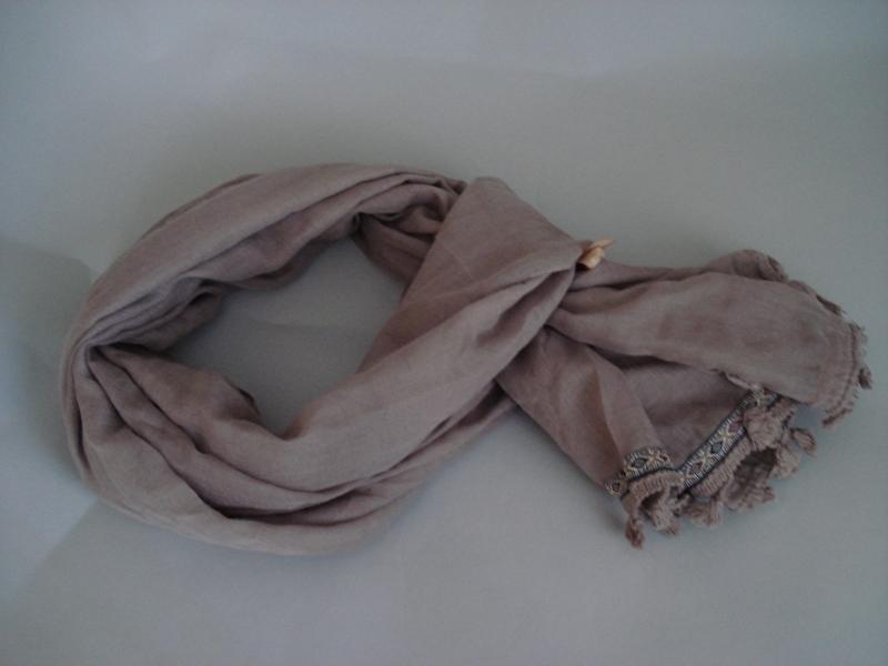 taupe kleur sjaal