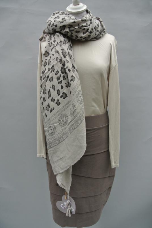 Sjaal met 3 kleuren.