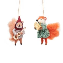 Sass & Belle Carolling Fox & Squirrel Felt Decoration -set van 2-