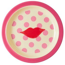 Rice Melamine Kids Plate - Kiss Print  -bord met verdieping-