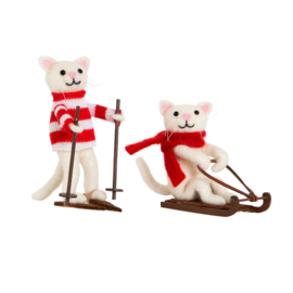 Sass & Belle Skiing & Sledging Cats Decorations -set van 2-