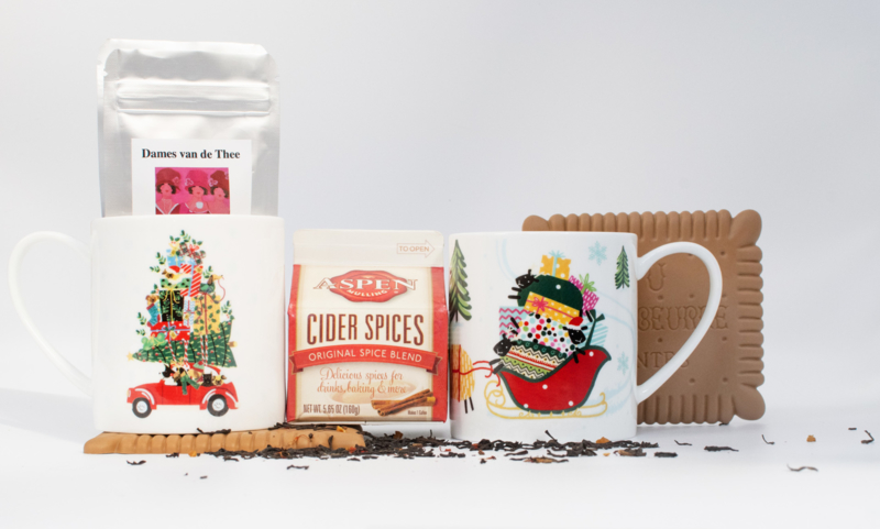 Kerstpakket 2 mokken met 2 onderzetters,  thee & winterkruiden