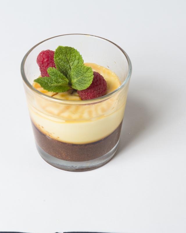 15 luxe plus borrelhapjes/ pannacotta met caramel