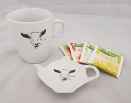 Tea bag holder and mug goat