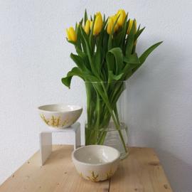Kom / schaaltje gele bloemen
