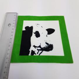 Koe met groen rand: stofje