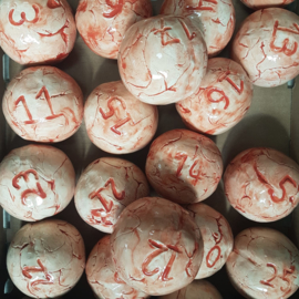 Opdracht: Tafelnummers bollen voor het terras Braserie 13