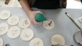 koe onderzetter keramiek