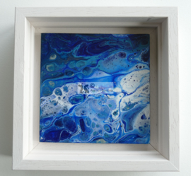 Schilderij blauw acryl gieten