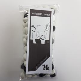 Zwart witjes: varkensvoer