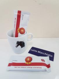 Verwenmoment: paarden mok met Latte Macchiato