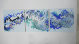 Drie luik: blauw in licht blauw, acryl gieten 20  x 60 cm