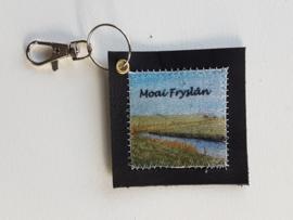 Zeedijk sleutelhanger van leer en stof (Moai Fryslân)