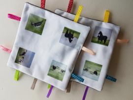 Knisper baby labeldoekje: koe, kievit en paard (zachte achterkant)
