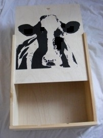 Wine box with cows (3 bottles)