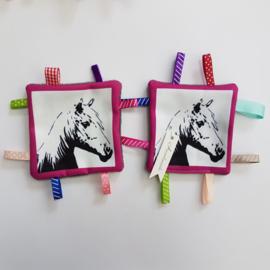 labeldoekje paard