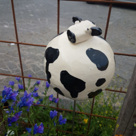 Grote koe keramiek (tuinsteker)
