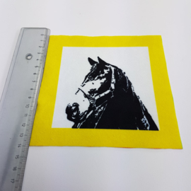 Paard met gele rand: stofje