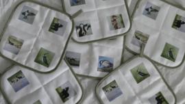 Set von 2 x National Topflappen (Kuh, Pferde und Vögel)