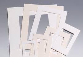 29.7 x 42 cm (buitenmaat) gebroken wit