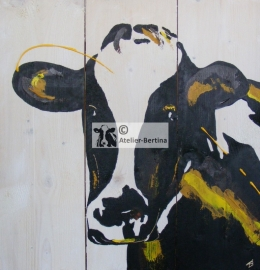 Cow on scaffold wood (indoor and outdoor)