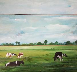 Koe landschap op steigerhout schilderij