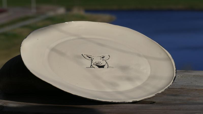 Grote schaal of bord  varken