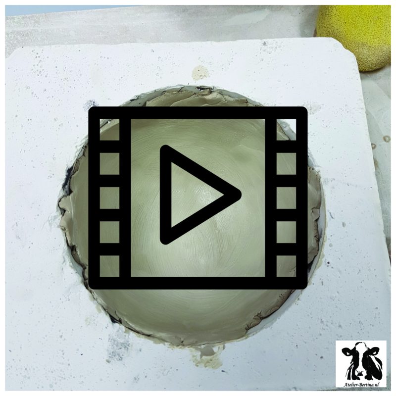 les live /tutorial keramiek: kommetje boetseren in gipsen mal
