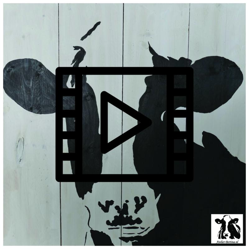 Demonstratie koe schilderen op steigerhout