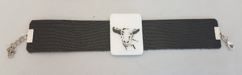Bracelet with goat