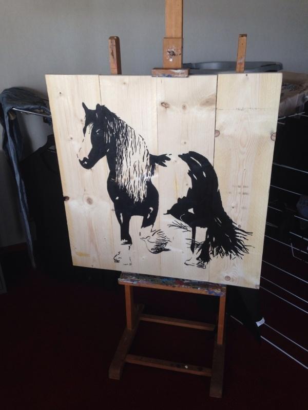 Paard op steigerhout schilderij