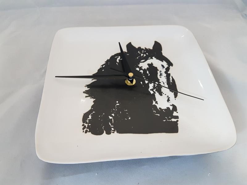 Clock horse of pottery