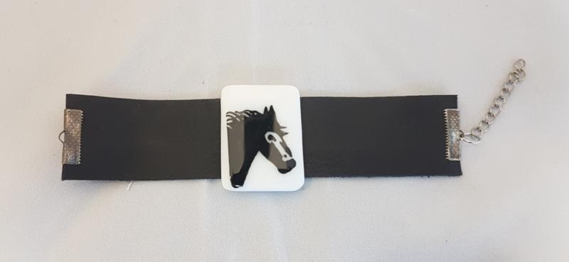 Armband met paard