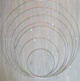 Metalen ring 70cm